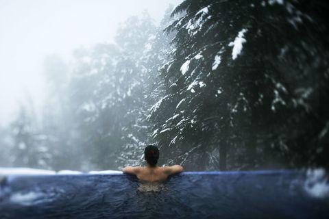 Water, Water feature, Drop, Wave, Leisure, Winter, Bathing,