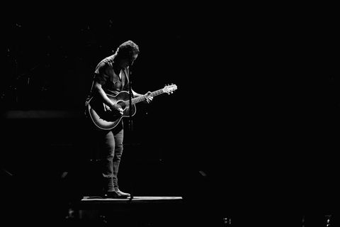 Performance, Black, Musician, Guitarist, Music, Performing arts, Concert, Microphone stand, Guitar, Public event,