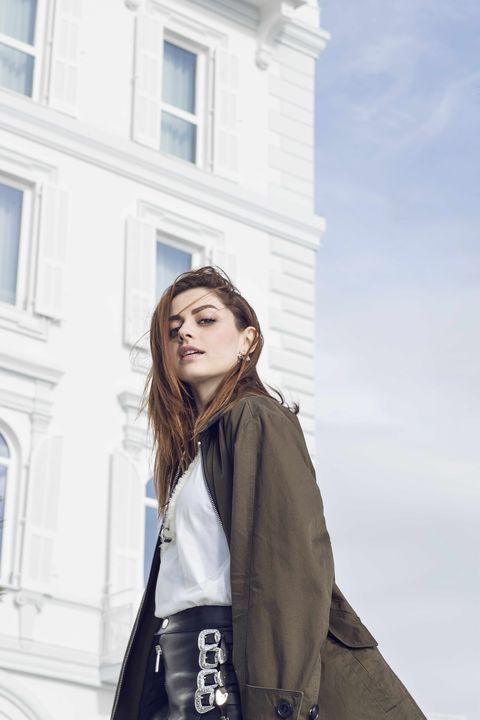 Street fashion, Beauty, Fashion, Shoulder, Snapshot, Outerwear, Photography, Photo shoot, Cool, Jacket,