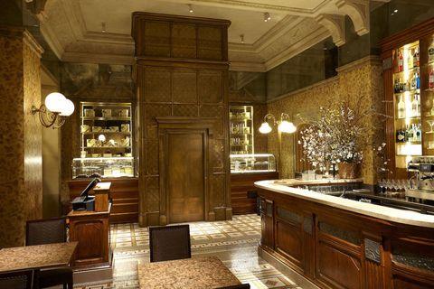 Carlo cracco apre cracco in galleria il suo nuovo ristorante a milano