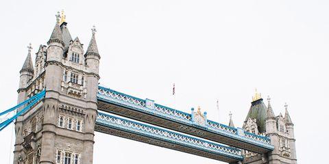Bridge, Waterway, Architecture, Drawbridge, Channel, Landmark, Moveable bridge, Watercourse, River, Steeple,