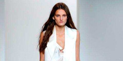 Sleeve, Human body, Shoulder, Joint, Fashion show, Style, Formal wear, Fashion model, Fashion, Beauty,