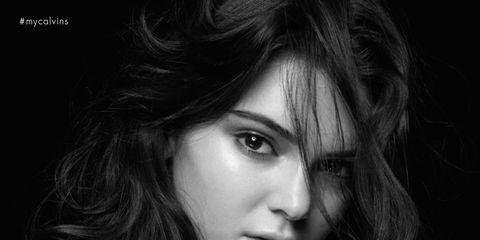 Lip, Hairstyle, Chin, Shoulder, Eyebrow, Style, Eyelash, Black hair, Beauty, Chest,