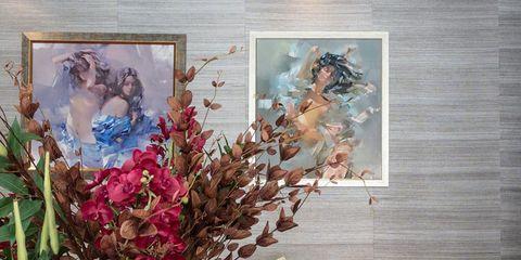 Interior design, Bouquet, Petal, Home accessories, Magenta, Flower Arranging, Cut flowers, Vase, Creative arts, Floral design,