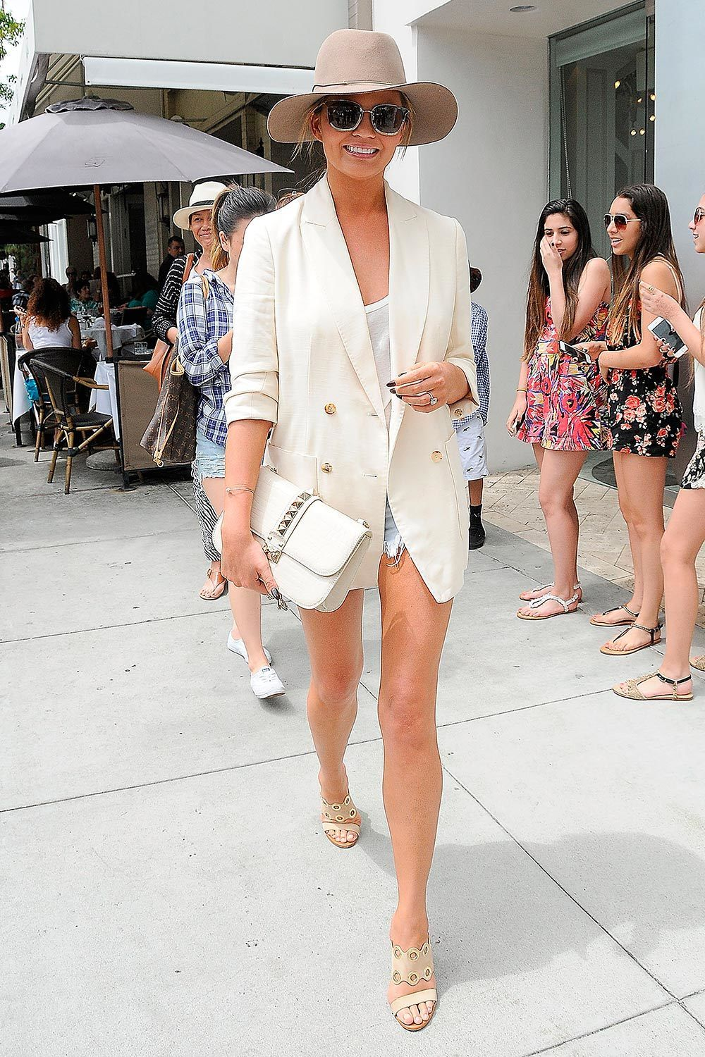 Celebrity summer street style – Summer dressing inspiration 02802037ce5