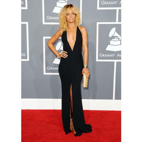 Shoulder, Style, Flooring, Formal wear, Dress, Carpet, Fashion, Waist, Fashion model, Blond,