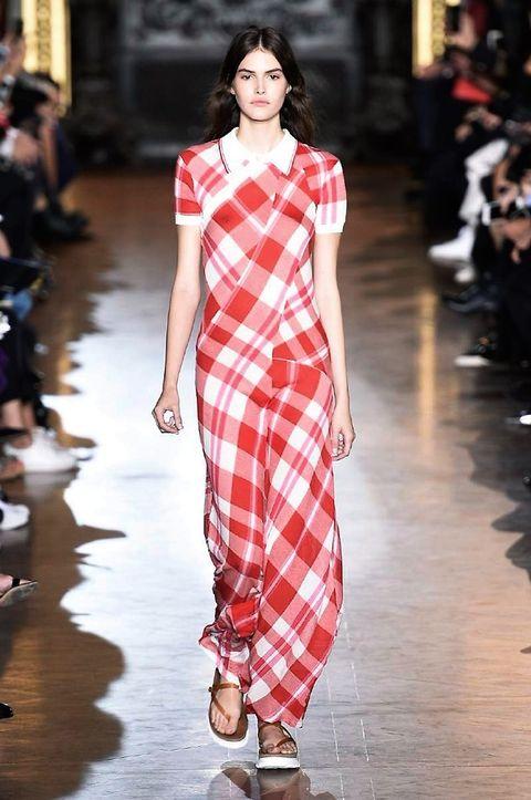 Clothing, Fashion show, Shoulder, Runway, Pattern, Fashion model, Style, Street fashion, One-piece garment, Fashion,
