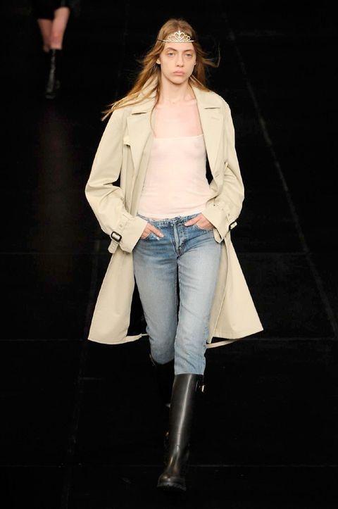 Clothing, Denim, Sleeve, Jacket, Jeans, Textile, Outerwear, Style, Pocket, Street fashion,