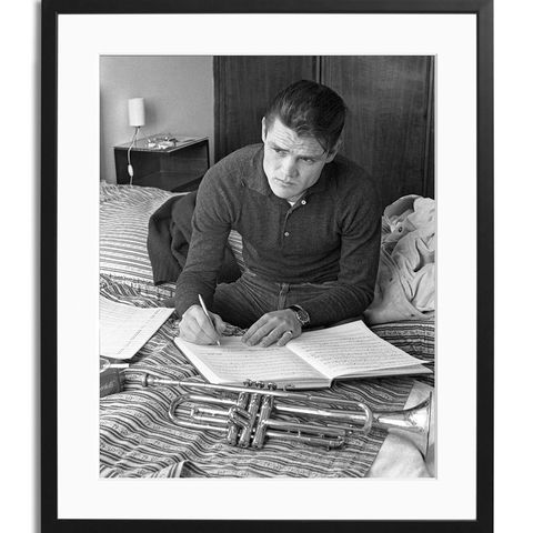 Sitting, Monochrome photography, Black-and-white, Monochrome, Reading, Writing desk, Office supplies, Paper, Book, Document,