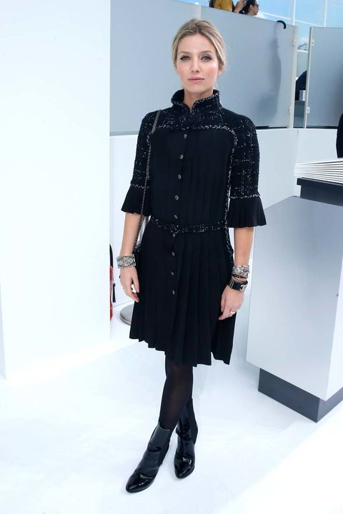 Product, Sleeve, Shoulder, Collar, Joint, Standing, Dress, Style, Fashion model, Street fashion,