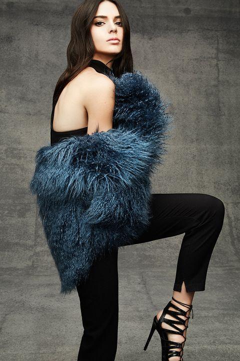 Shoulder, Textile, Joint, Style, Street fashion, Fashion model, Knee, Beauty, Fashion, Black,