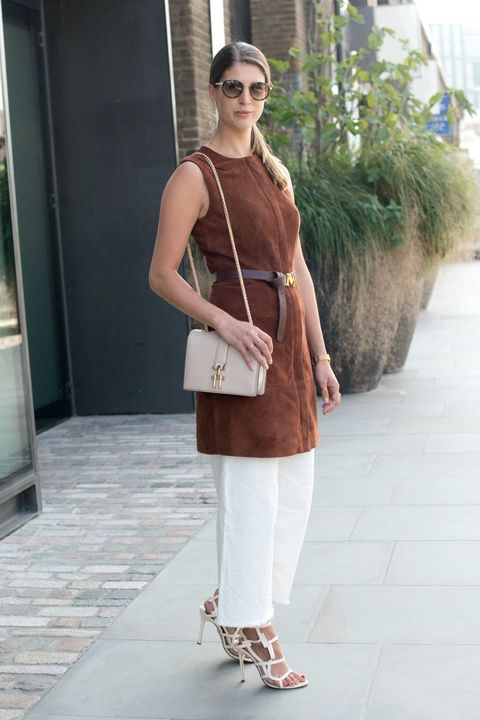 Clothing, Brown, Shoulder, Joint, Outerwear, Bag, Fashion accessory, Style, Street fashion, Goggles,