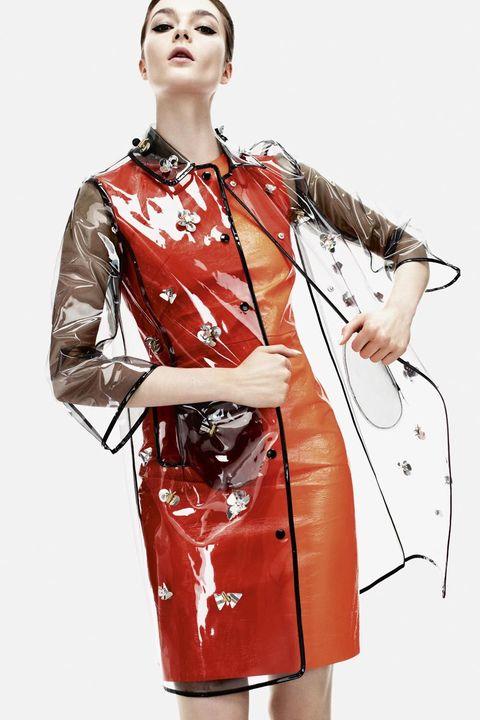 Sleeve, Collar, Shoulder, Joint, Bag, Red, Style, Orange, Blazer, Street fashion,