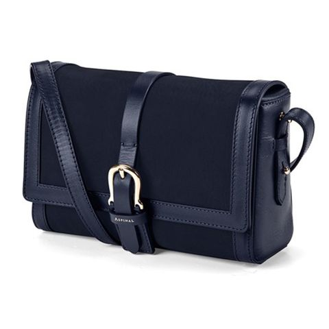 Product, Musical instrument accessory, Bag, Textile, Luggage and bags, Black, Travel, Strap, Leather, Shoulder bag,