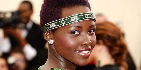 Hairstyle, Earrings, Eyelash, Style, Hair accessory, Headgear, Fashion accessory, Fashion, Beauty, Jewellery,
