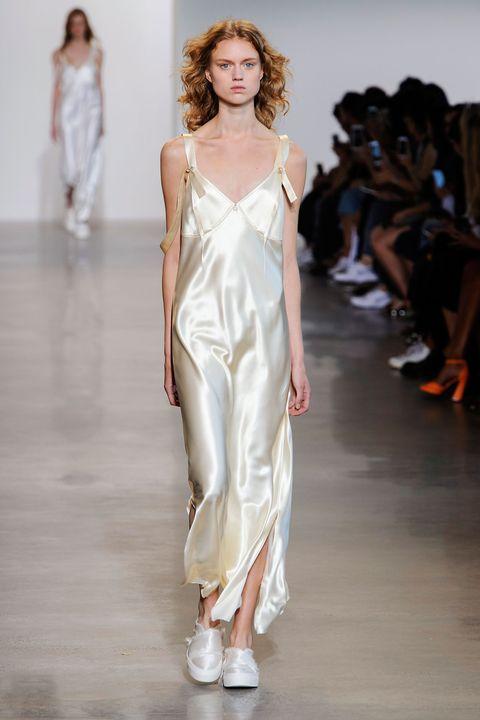 Calvin Klein SS16: '90s dressing
