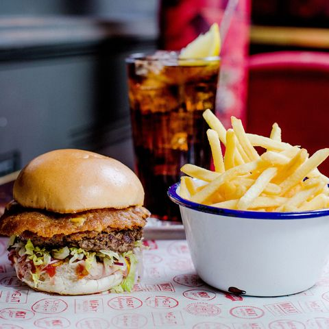 Food, Cuisine, Sandwich, Finger food, Ingredient, Dish, Fried food, French fries, Tableware, Bun,