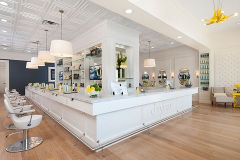 Dry Bar in Los Angeles