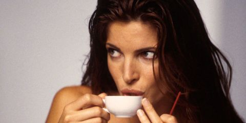 Lip, Finger, Hairstyle, Shoulder, Hand, Cup, Beauty, Drinking, Eyelash, Brown hair,
