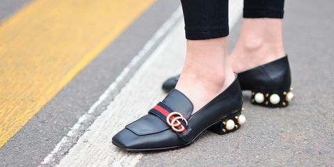 Flat shoes street style