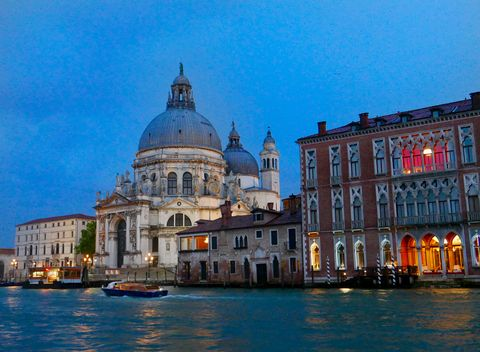 Dome, Architecture, Waterway, Watercraft, City, Landmark, Dome, Facade, Boat, Boats and boating--Equipment and supplies,