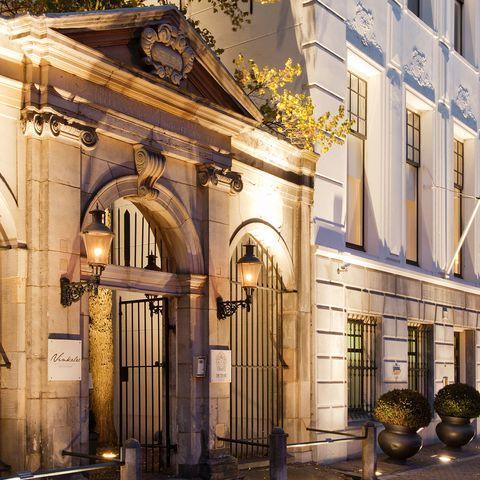 Facade, Arch, Flowerpot, Gate, Molding, Classical architecture,