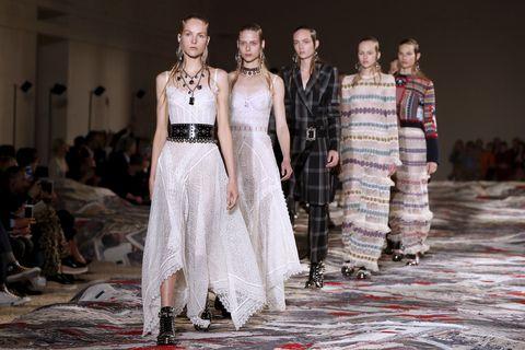 Dress, Fashion show, Runway, Fashion, One-piece garment, Fashion model, Street fashion, Waist, Gown, Haute couture,