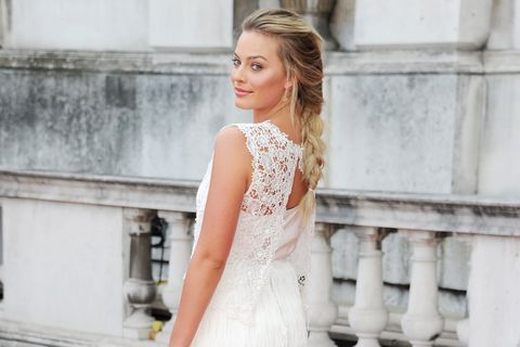 Margot Robbie Wedding.Margot Robbie Wore Her Mother S Wedding Dress