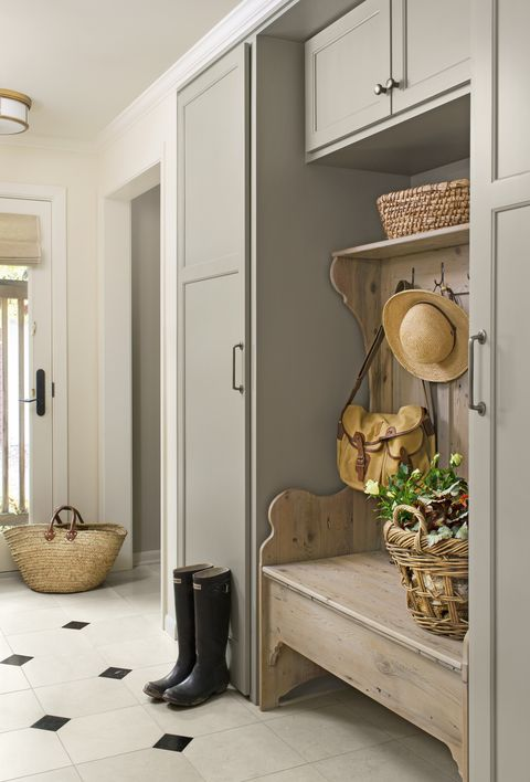 <p>The practical tone adds a bit of sophistication to hardworking spaces, such as the mudroom.&nbsp;</p>