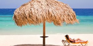 Sunscreens vs. Sun umbrellas