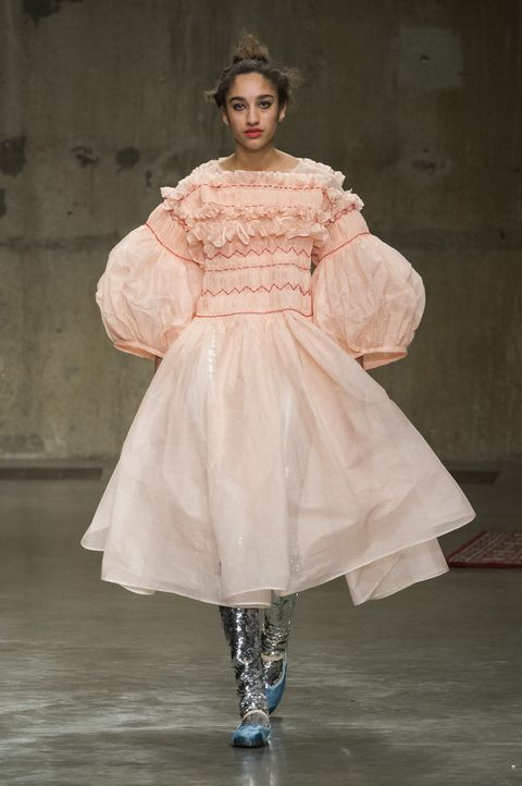 Clothing, Sleeve, Dress, Textile, Gown, Embellishment, Fashion, Fashion model, One-piece garment, Costume design,