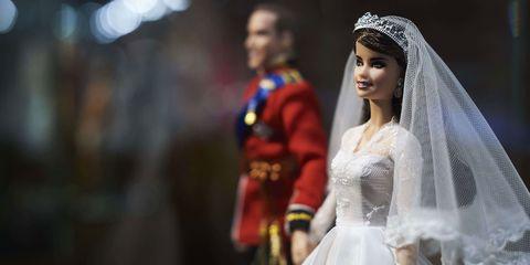 Bridal veil, Veil, Bridal clothing, Bridal accessory, Photograph, Wedding dress, Dress, Bride, Tradition, Formal wear,