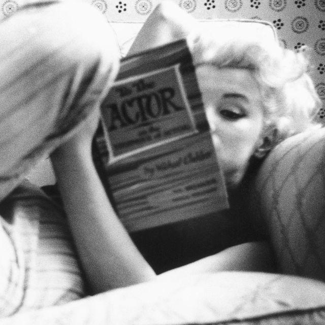 marilyn monroe reading