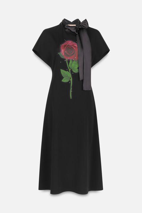 Clothing, Black, Dress, Green, Sleeve, Little black dress, Day dress, T-shirt, Outerwear, Cocktail dress,