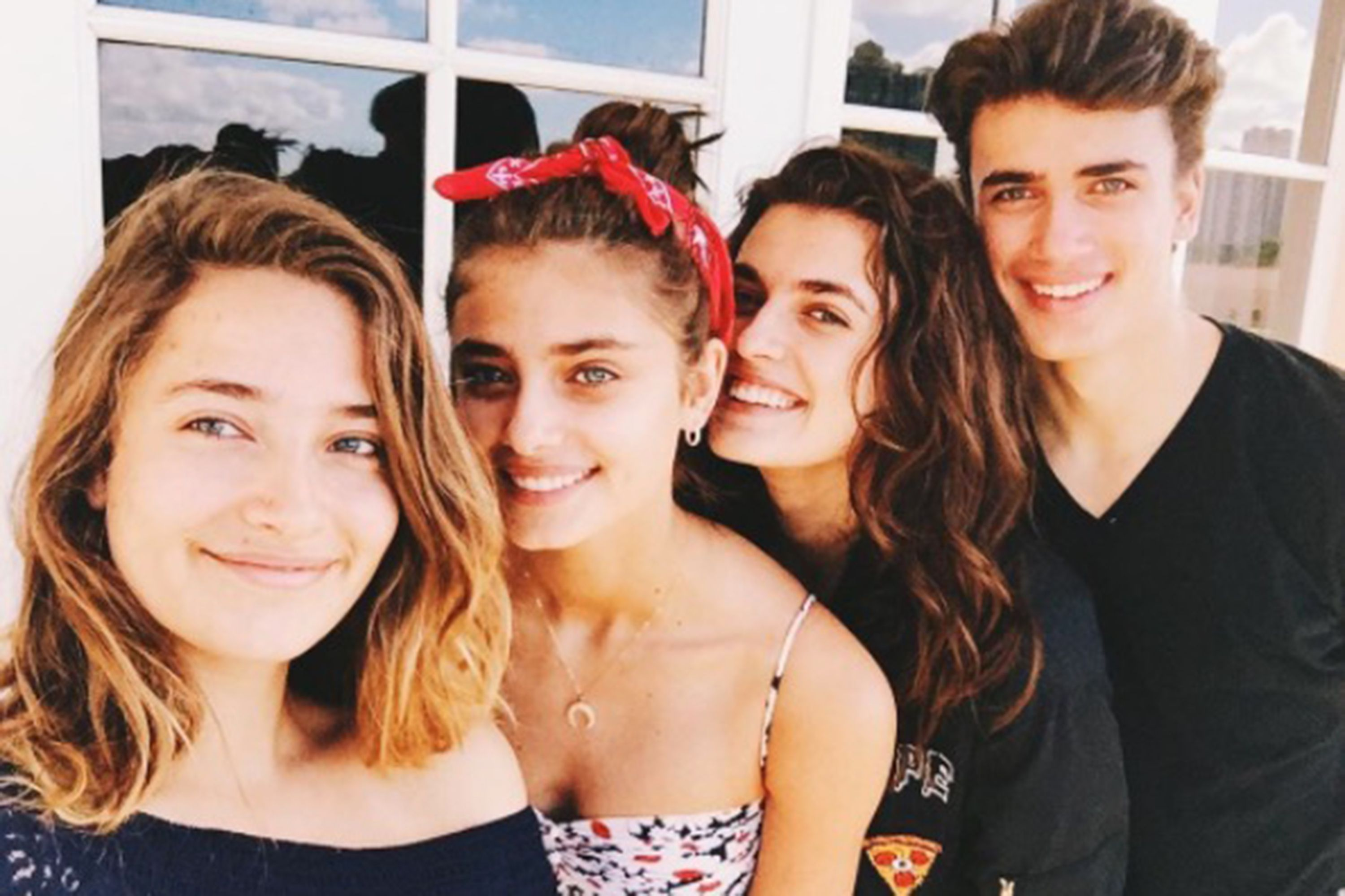 Taylor Hill Net Worth, Lifestyle, Biography, Wiki, Boyfriend, Family And More.