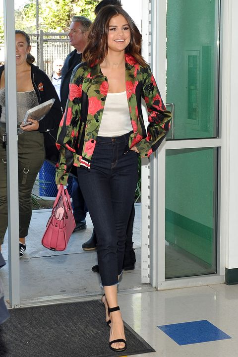 Clothing, Street fashion, Fashion, Blazer, Jacket, Jeans, Outerwear, Waist, Footwear, Leg,