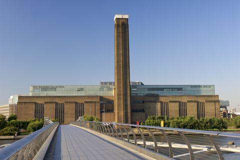 Architecture, Landmark, Building, Metropolitan area, Monument, Tower, City, Factory, Industry,