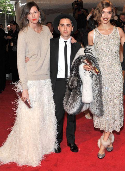 Clothing, Red carpet, Fashion, Carpet, Dress, Flooring, Haute couture, Event, Premiere, Fur,