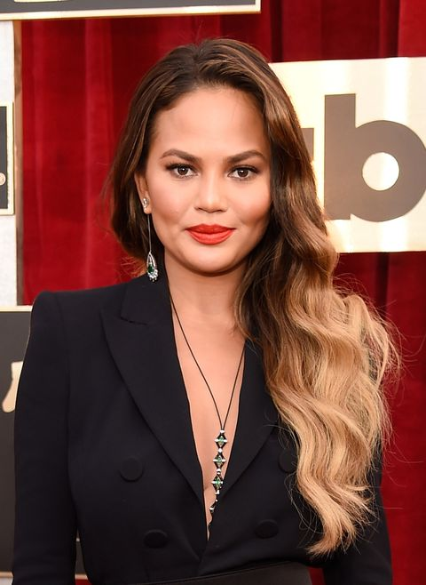 Chrissy Teigen Balayage palm painting hair trend