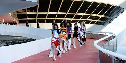 Louis Vuitton Cruise show video live stream