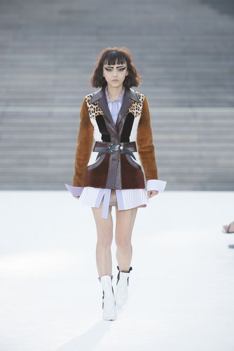 Louis Vuitton Cruise 2018 show collection pictures