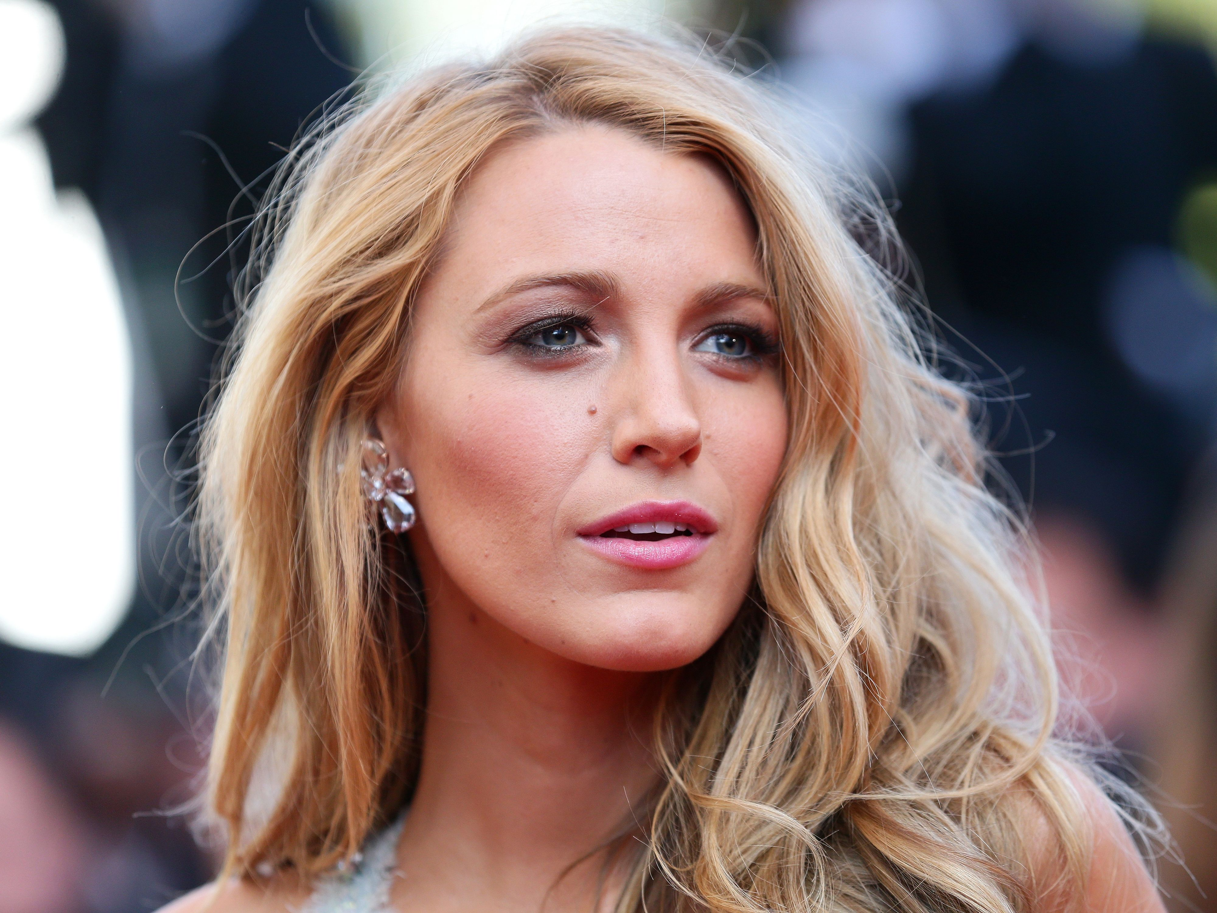 Blake Lively Lob Haircut Blake Lively All I See Is You Premiere