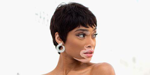 Hair, Face, Hairstyle, Forehead, Chin, Eyebrow, Skin, Ear, Beauty, Cheek,