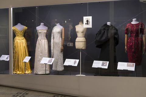 Display window, Boutique, Fashion, Display case, Museum, Collection, Design, Costume design, Dress, Fashion design,