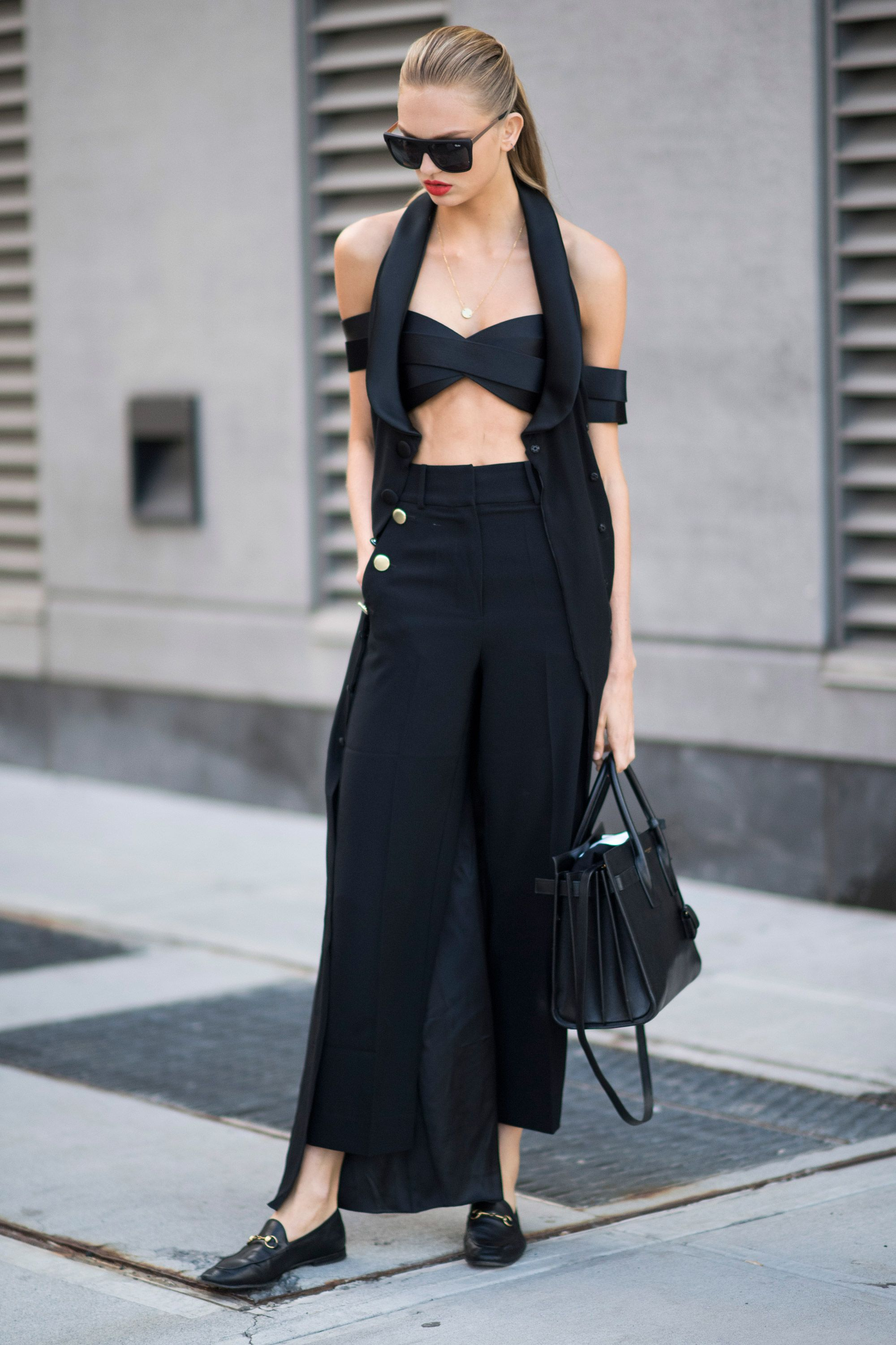 cfb163e226bb How to wear black in the summer – Tips for dressing in black in the sun