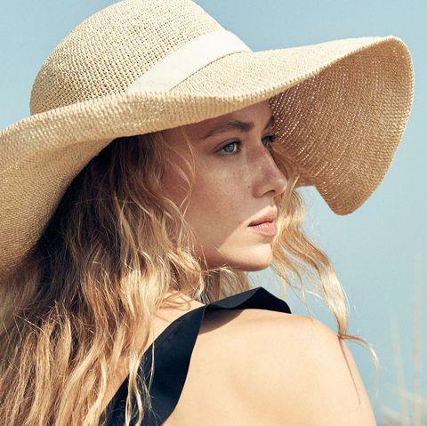 Hair, Hat, Clothing, Sun hat, Blond, Beauty, Lip, Skin, Fashion accessory, Headgear,