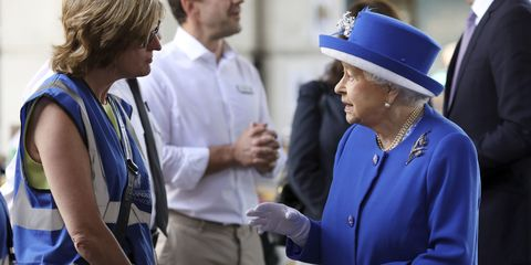 Queen visits Grenfell Tower victims | ELLE UK