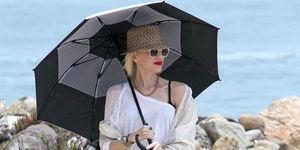 Gwen Stefani parasol
