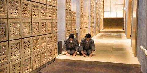 Flooring, Wall, Floor, Tourist attraction, Carpet, Visual arts, Ancient history, Shadow, Tile, Daylighting,
