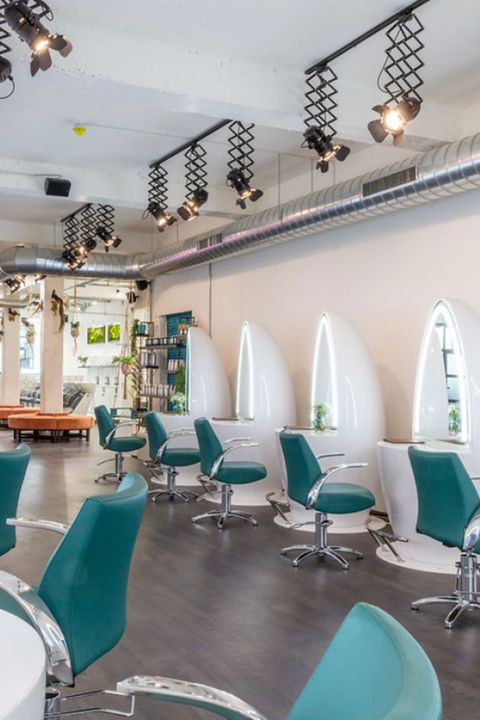 Duck & Dry blow-dry bar